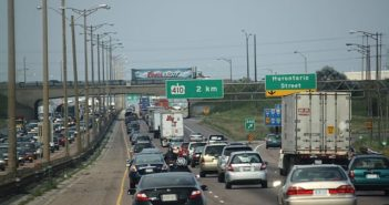 640px-Highway_401_at_Hurontario_Street