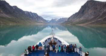 SOI ship in Auyuittuq National Park (1)