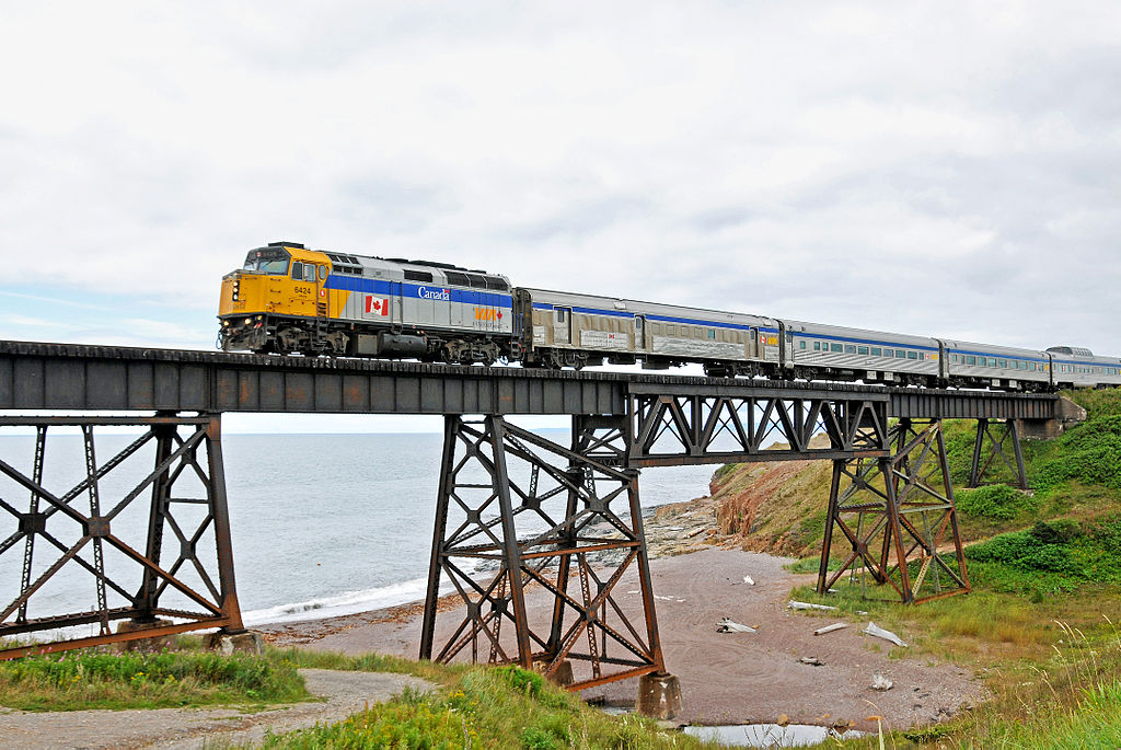 1024px-DGJ_8658_-_VIA_Rail