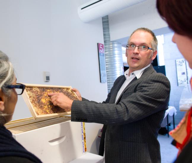 Eric Duchemin, directeur scientifique et formation du Laboratoire sur l'agriculture urbaine (AU/LAB) et professeur associé à l'Institut des sciences de l'environnement de l'UQAM © Salle de Presse UQAM