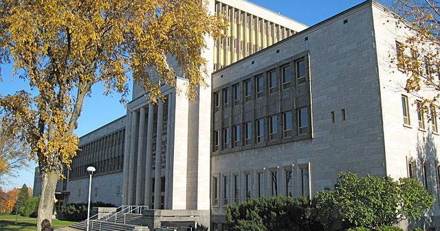 640px-Pavillon_Palasis-Prince_-_Université_-Laval_-_Quebec_City_-_October_2007