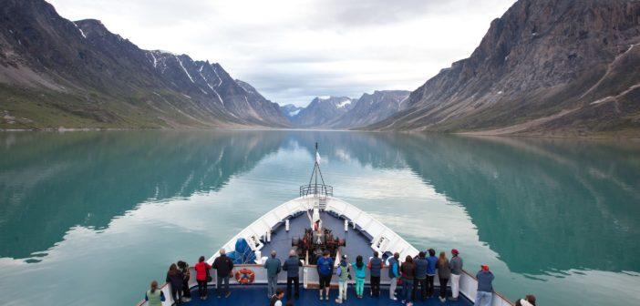 SOI ship in Auyuittuq National Park (1)